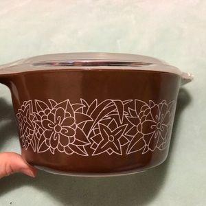 Vintage Woodland Pyrex bowl